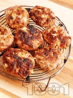 Вкусни и сочни класически домашни кюфтета от свинска и телешка кайма на скара (без яйца) - снимка на рецептата